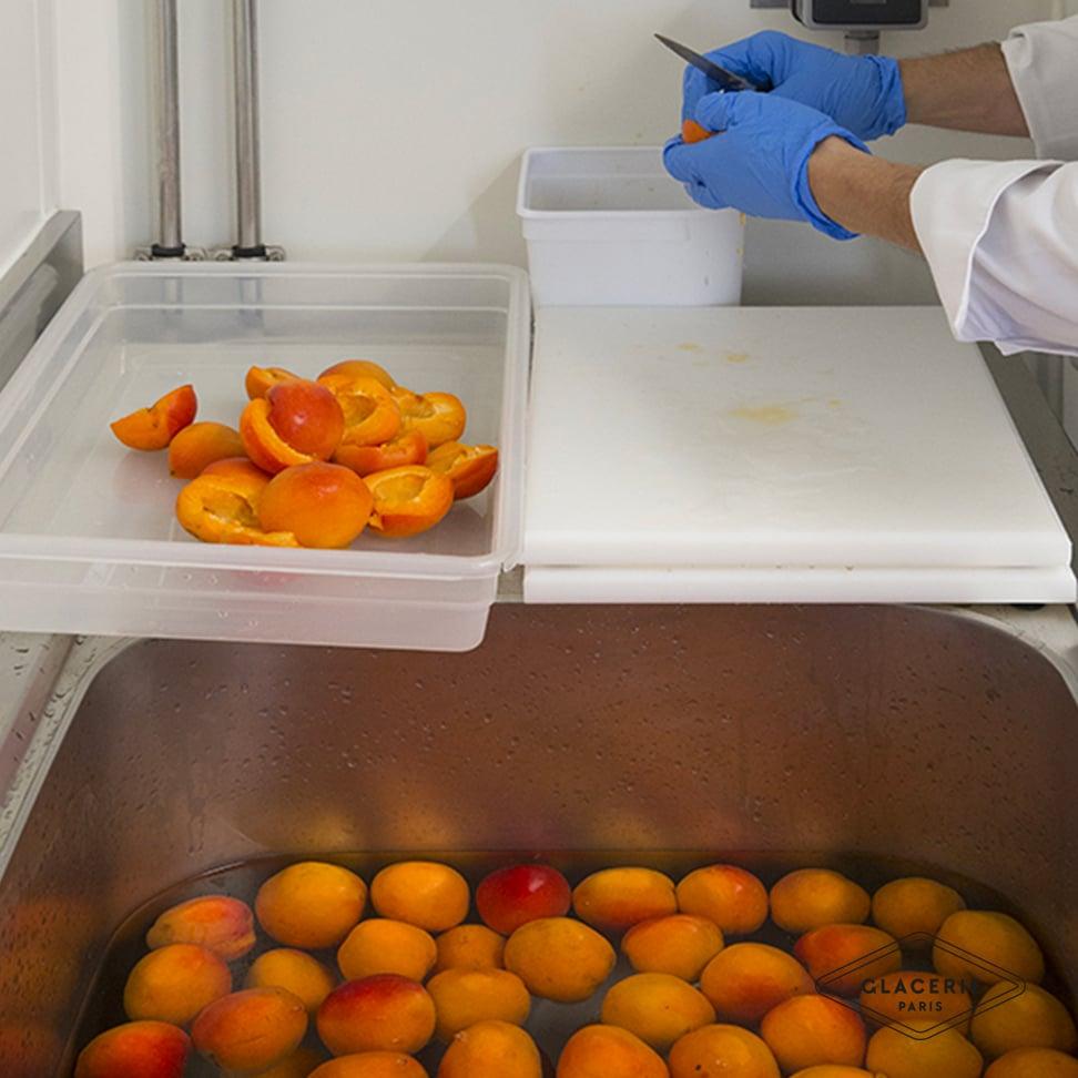 Préparation des fruits frais