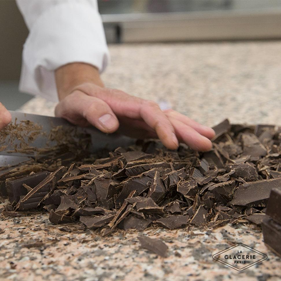 Concasser le chocolat